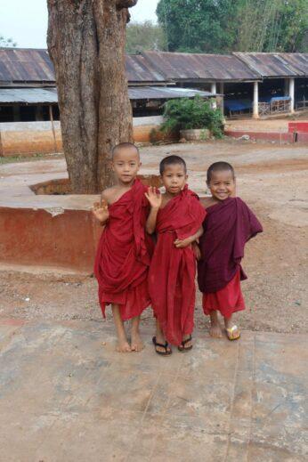 Child monks - InsideBurma Tours