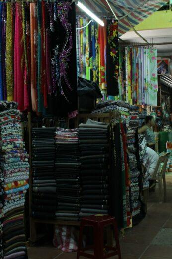 Hoi An tailors' market