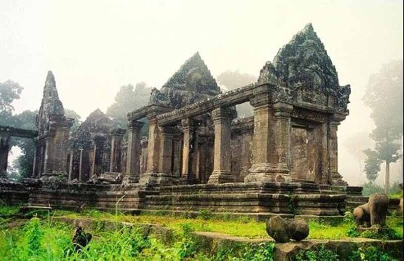 Preah Vihear: arguably more atmospheric than the busier Angkor temples