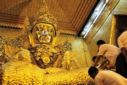 """Mahamuni's """"lumpy"""" Buddha"""