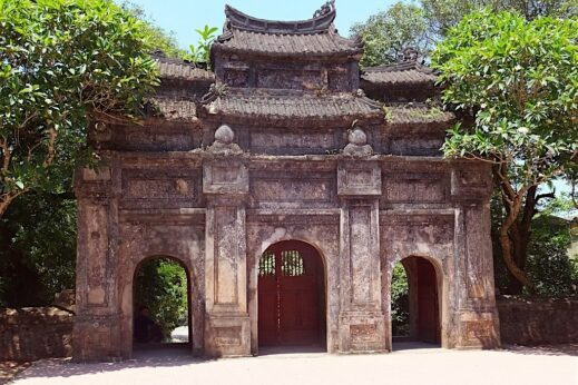 Things to do in Hue - Admire many beautiful pagodas