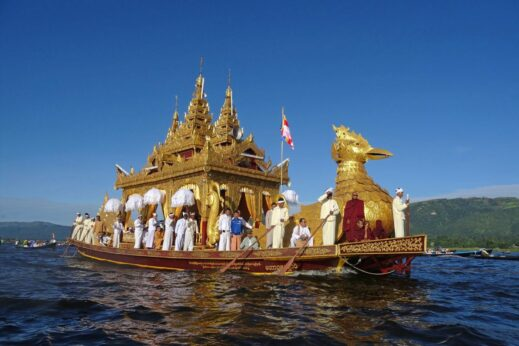 Phaung Daw Oo Pagoda - one of the most famous festivals in Burma