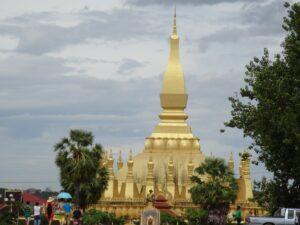 Wat That Luang (2)