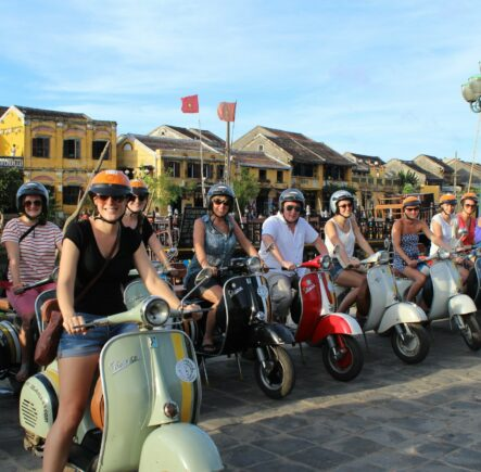 Hoi An - Vespa street food tour