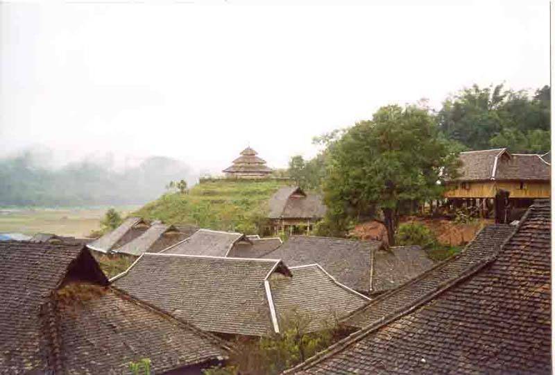 Keng Tung - typical Shan architecture on way to China