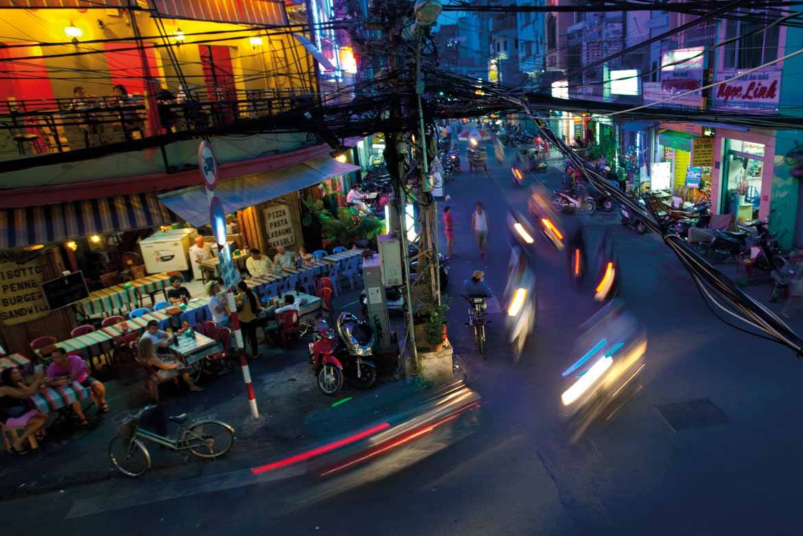 Saigon by night (copyright Peter Jackson)