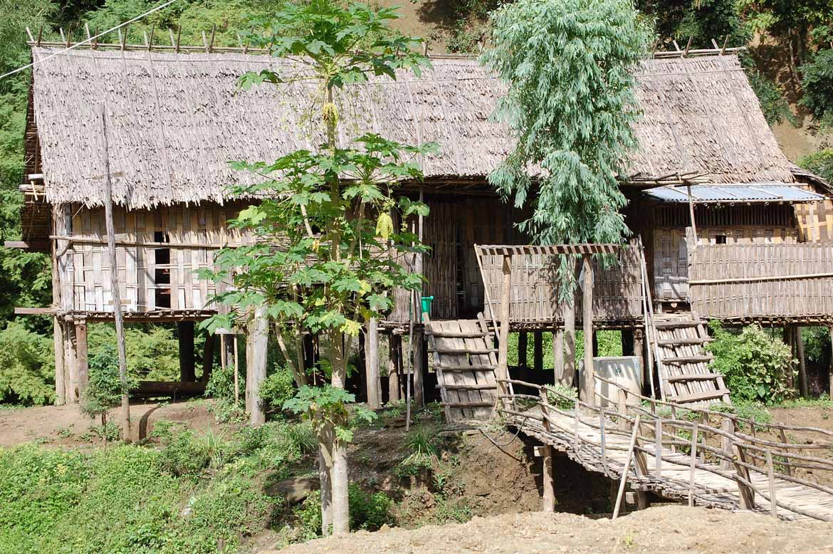 A village house en route to Kanpelet