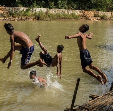 Travel photography competition - Children jumping into lake in Burma