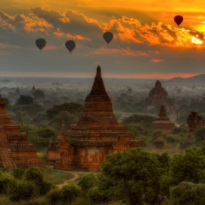 Pagodas and hot air ballonons at Bagan, Myanmar