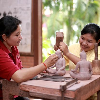 Crafts with Artisans d'Angkor