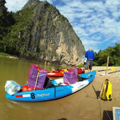 Kayaking in Nong Khiaw