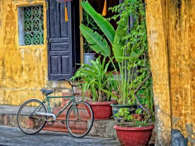 Bicycle outside traditional shopfront in Hoi An